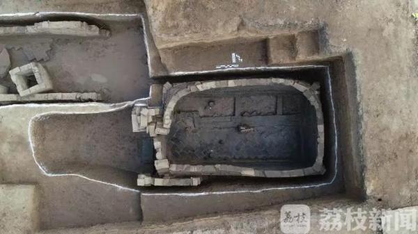 连云港海州发现大型古墓葬群 最早已沉睡2000多年!
