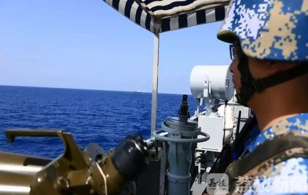 荔枝军事:海军第二十八批、二十九批护航编队举行分航仪式