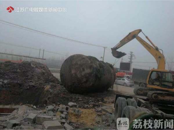 非法经营汽油危害大!徐州执法部门拆除非法加油设施