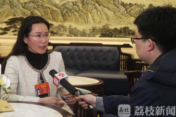 【两会问教育】全国人大代表蒋宇霞: 提高民办幼师待遇、重视家庭教育